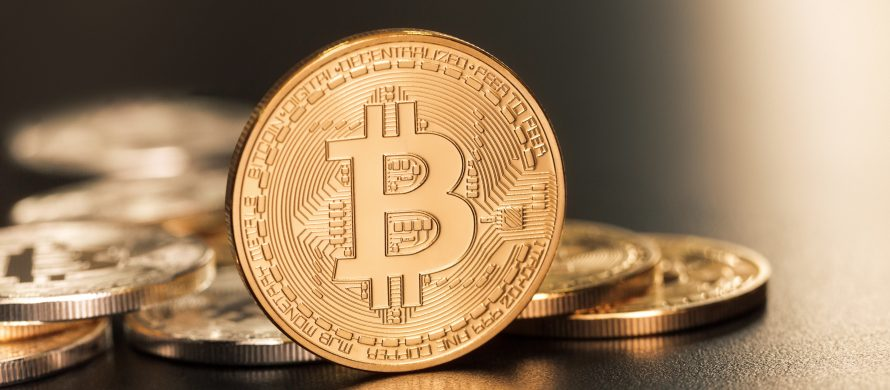 https://blog.en.erste-am.com/wp-content/uploads/sites/13/2018/01/iStock-493533569_Bitcoin_Kryptowährung-890x390.jpg